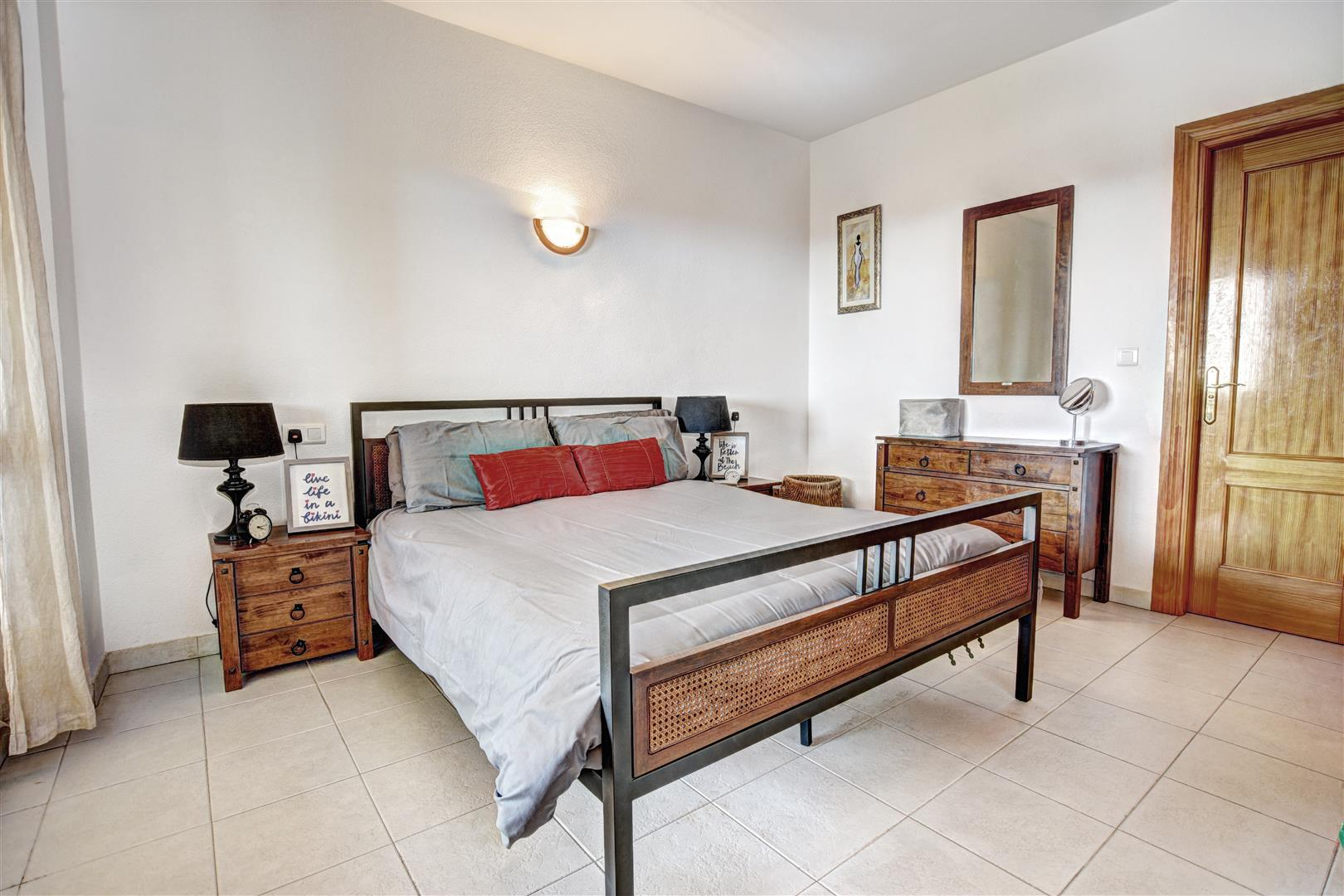 2 Bed Apartment for sale in Reserva del Higueron 018_19_20_21_22_23 (Large)