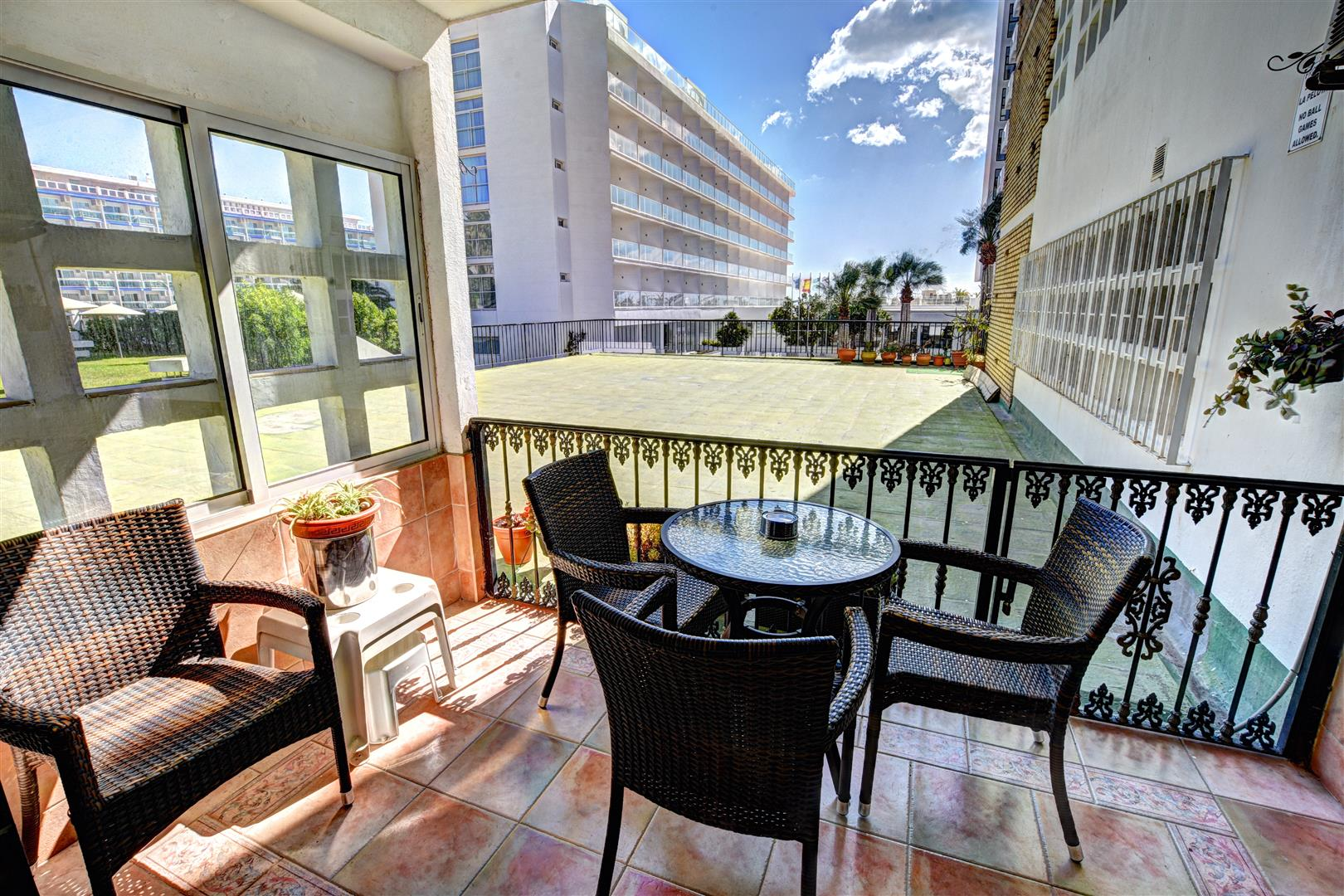 Apartment for Sale in Benalmadena Costa Puertomarina