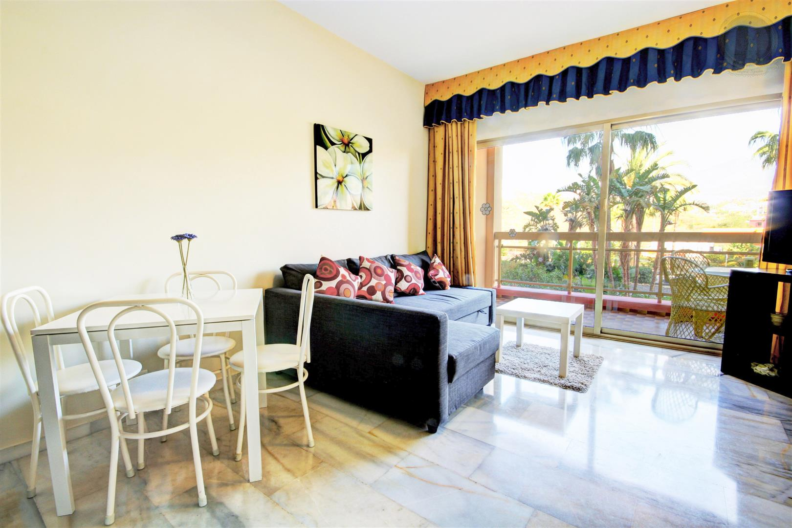 apartment for sale in Sunset Beach Hotel Benalmadena Costa Lounge