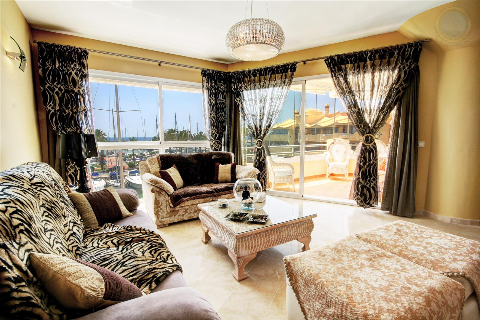 Penthouse for Sale in Puerto Marina within Las Islas del Poniente -Lounge