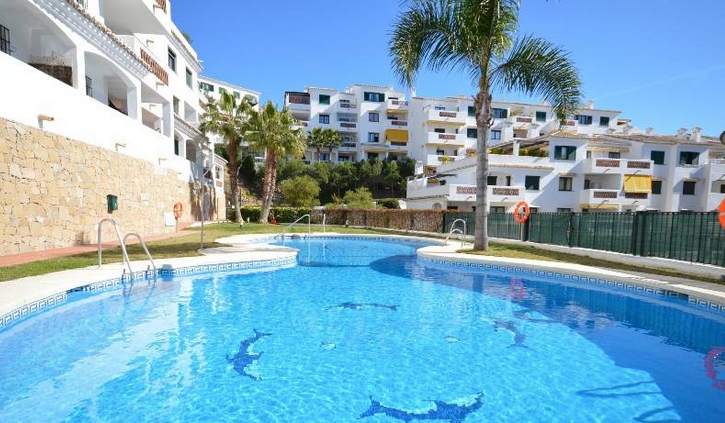 Pueblo Torrequebrada Pool and Property