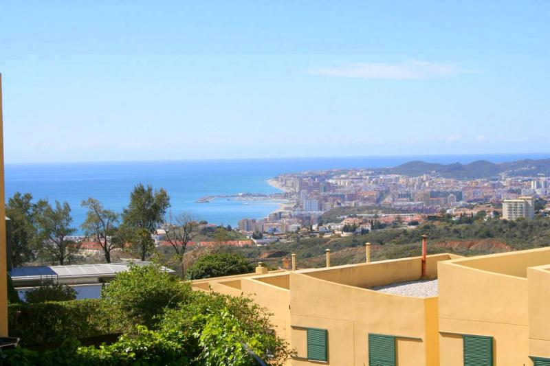 townhouse for sale in el higueron