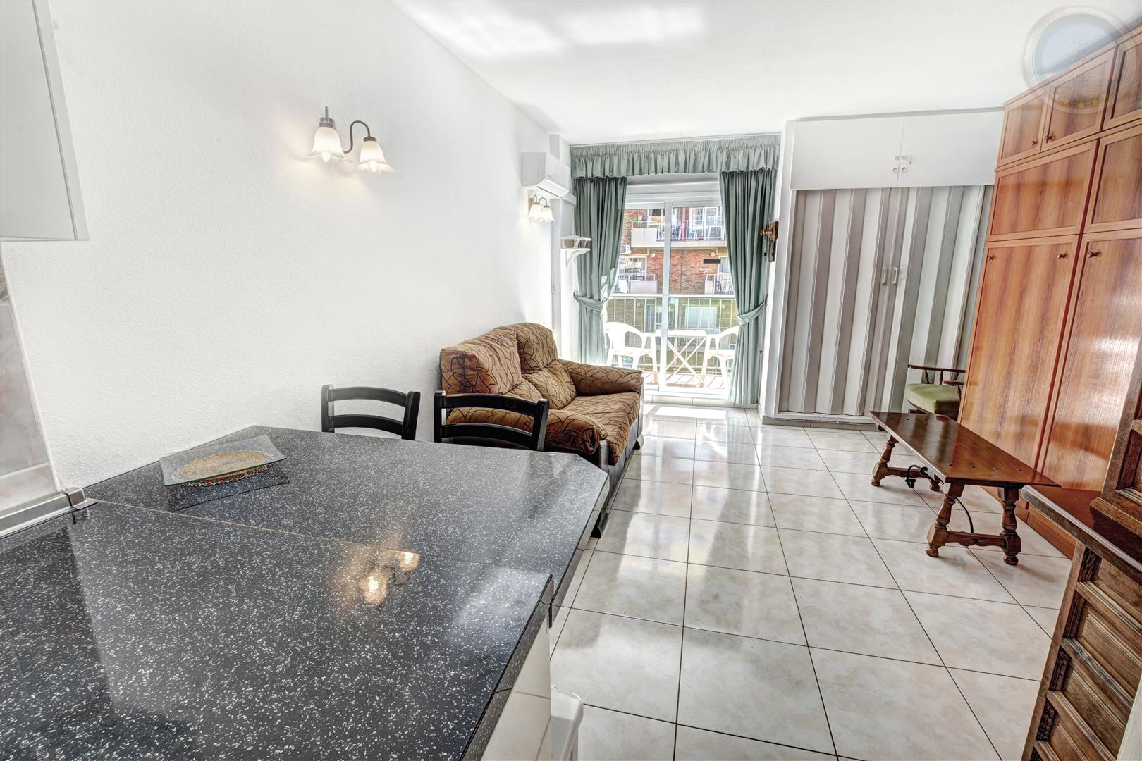 Studio apartment for sale in Benalmadena Costa Minerva inside