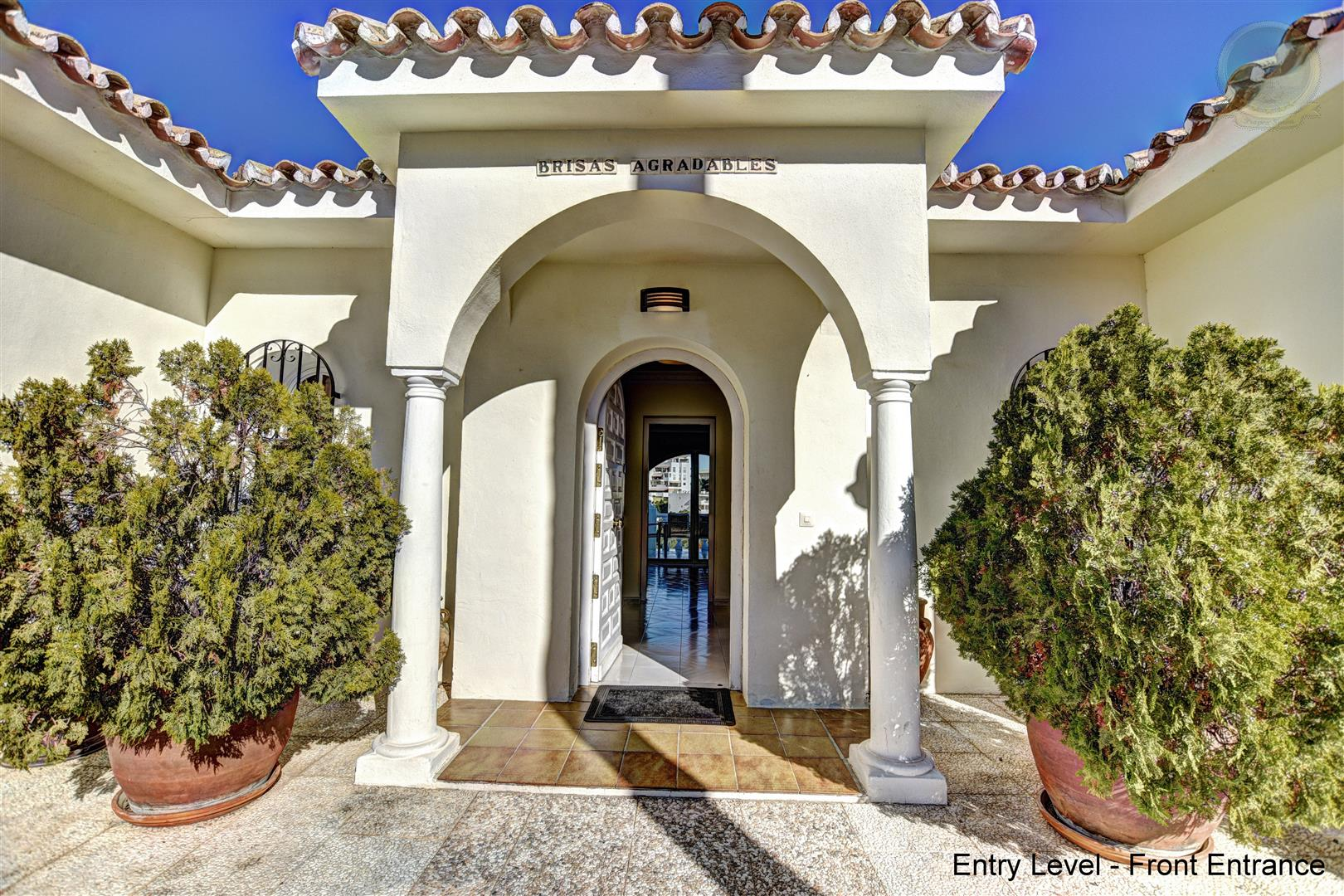 Villa for Sale in Benalmadena Costa 4