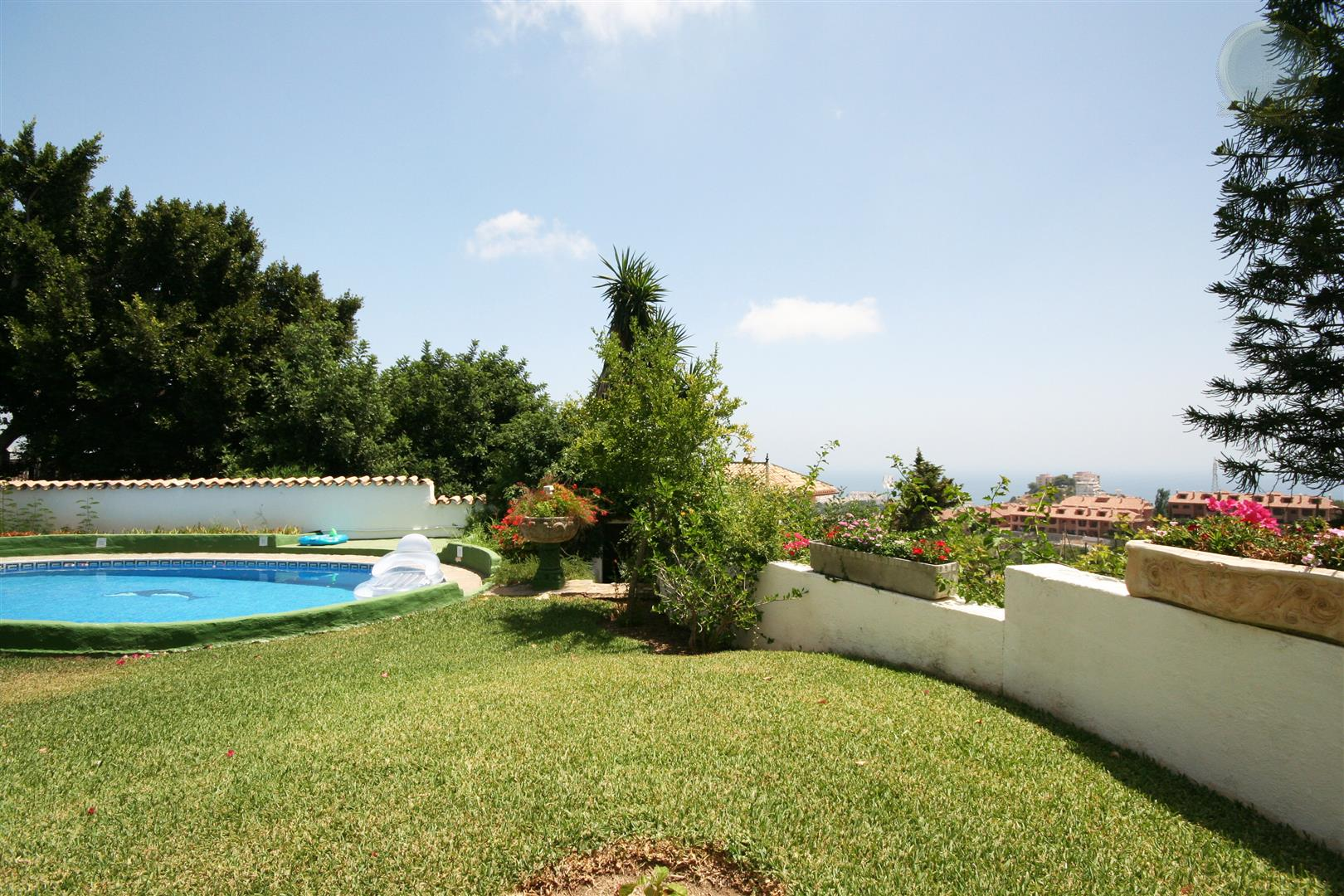 Villa for Sale in Benalmadena Pueblo - Garden
