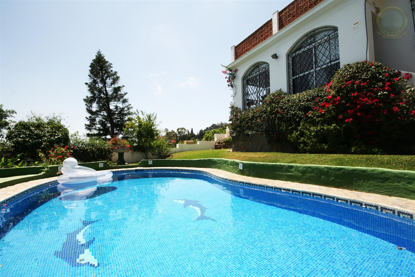 Villa for Sale in Benalmadena Pueblo - Pool and garden