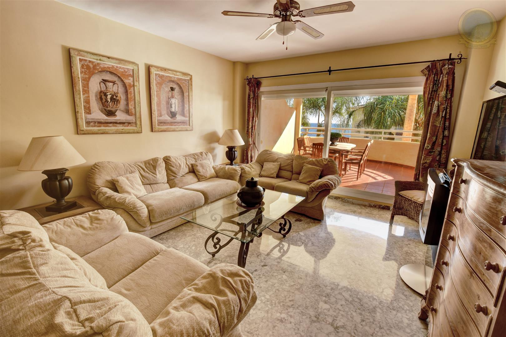 apartment for sale in Costaquebrada dining room