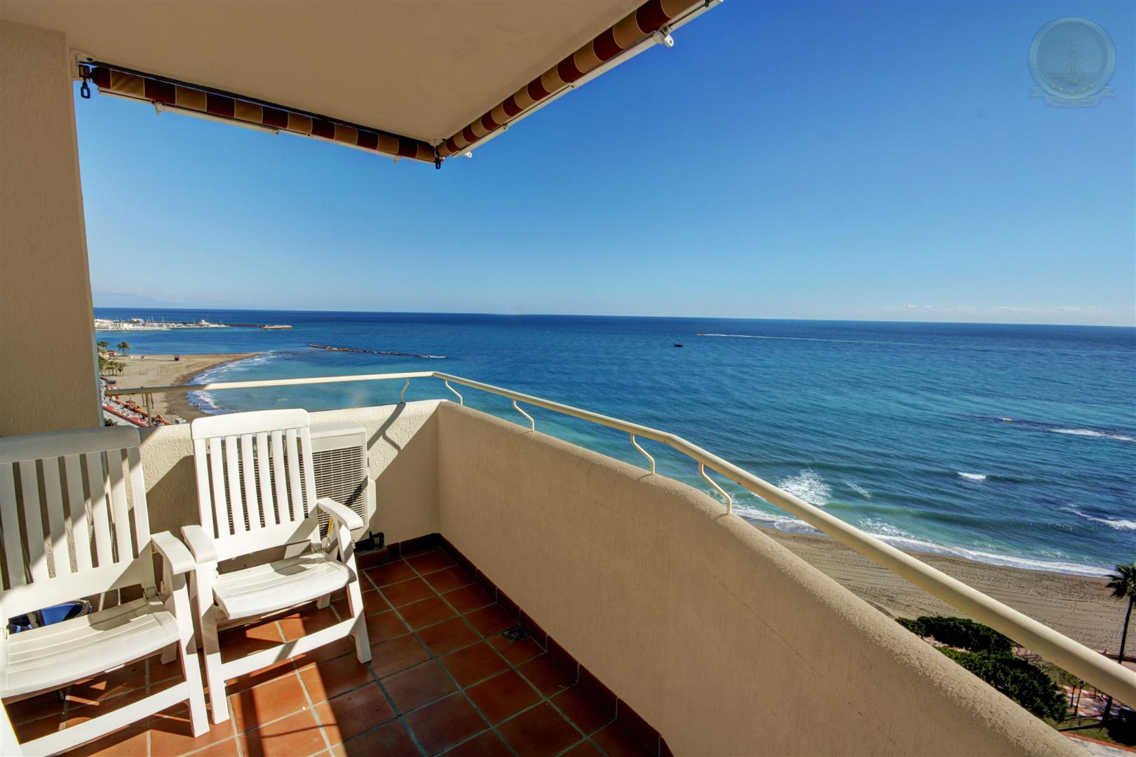 beachfront apartment for sale in Benalbeach