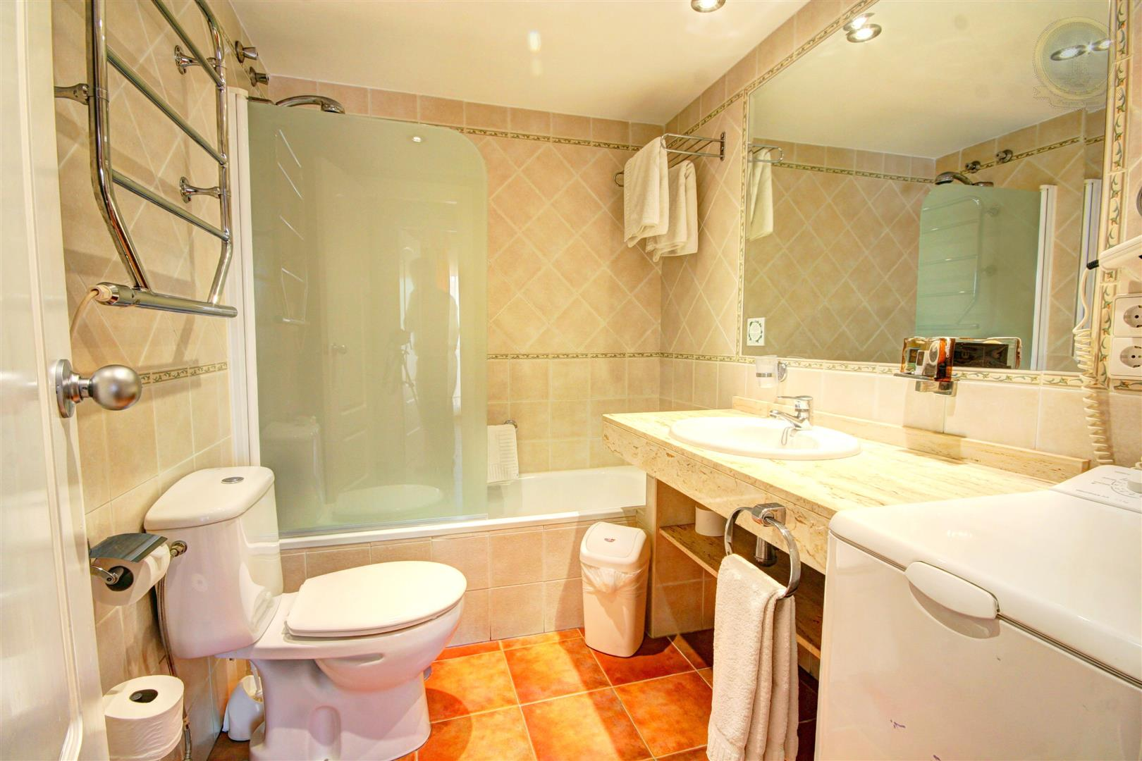 apartment for rent in Benal Beach Benalmadena - bathroom