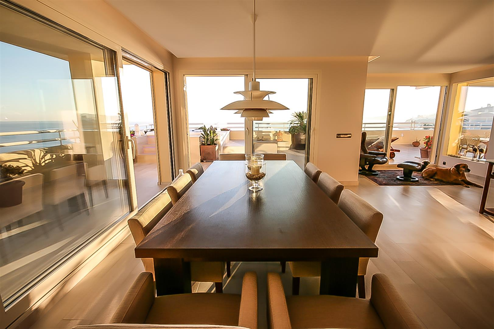 penthouse for sale in Costaquebrada comedor