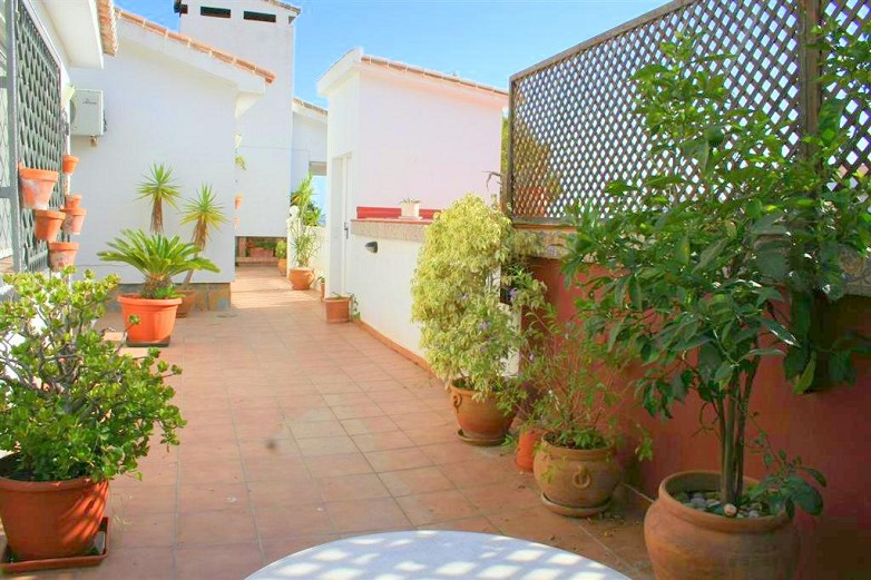 torremuelle villa for sale - patio area