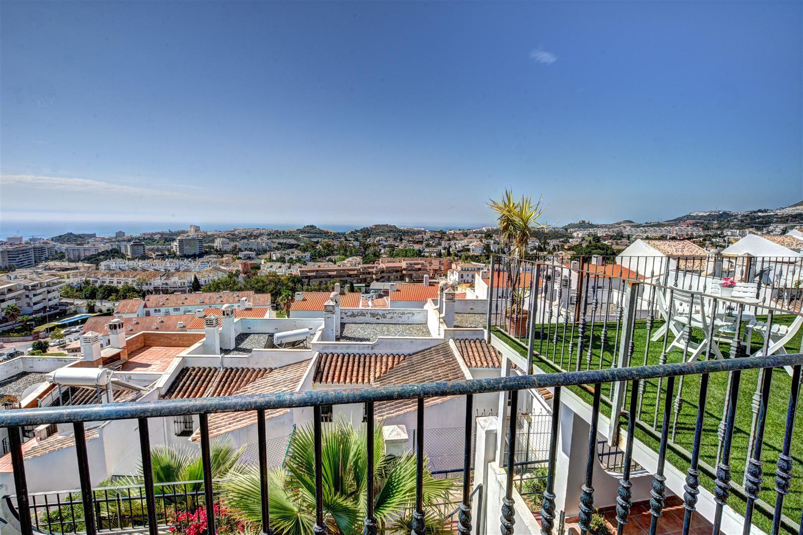 Townhouse for Sale in Arroyo de la Miel - sea views